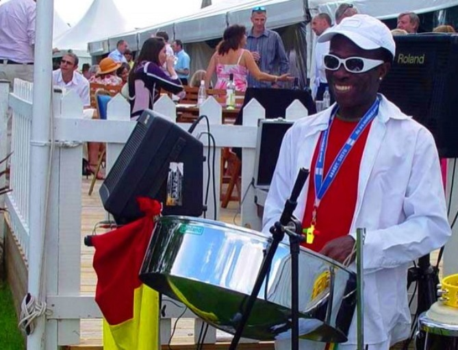 One man solo band internet booking Caribbean steel drummers bands phone 07766945663 in the United Kingdom Weddings and Parties 1024